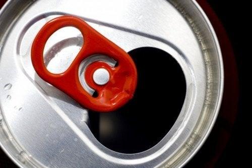 Recicle partes de latas