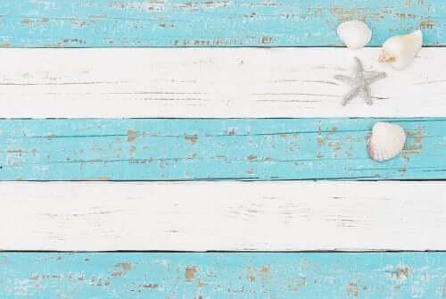 Listras azuis e brancas