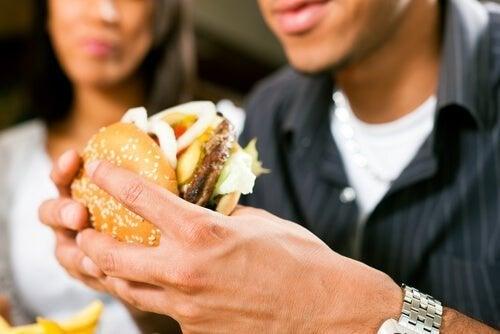Comidas rápidas não são saudáveis
