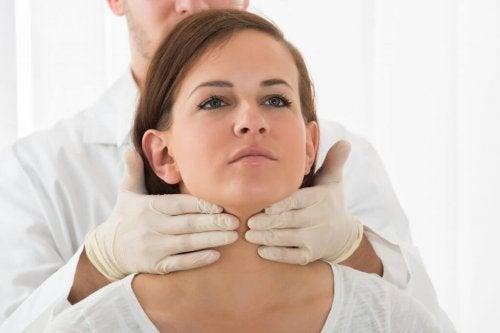 Exame da glândula tireoide