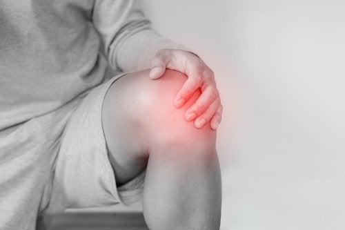 Luxação de joelho: causas, tratamento e reabilitação