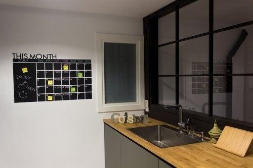 Painel organizador na cozinha