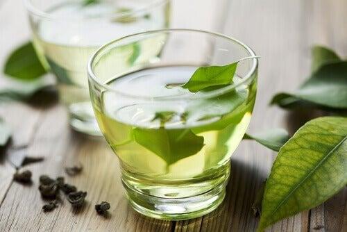 Chá verde para aliviar a indigestão