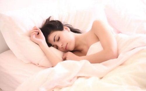 Um bom descanso ajuda a combater a ressaca