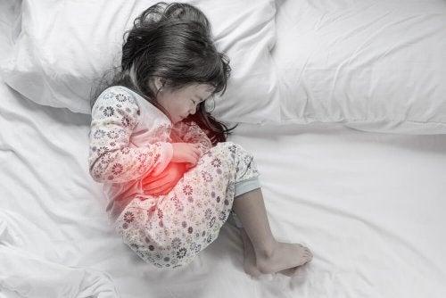 Intolerância à lactose em crianças provoca dor de estômago