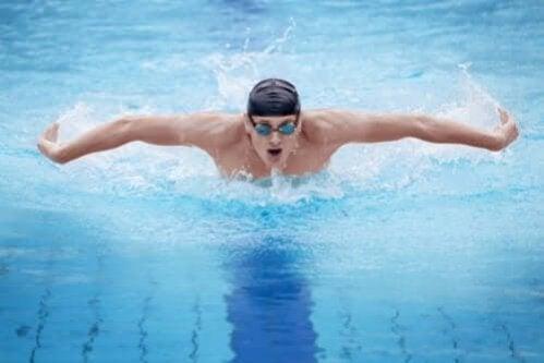 Estilos de natação: qual é o melhor para você?