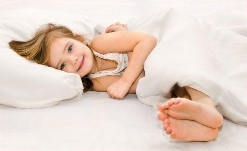 As crianças são mais propensas a ter problemas durante o sono