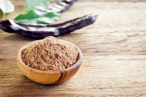 6 propriedades e benefícios da farinha de algaroba
