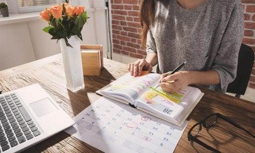 Uma agenda ajuda a se organizar