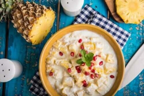 Sobremesa sem glúten: coalhada de iogurte e abacaxi