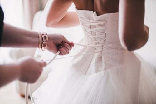 8 grifes de vestidos de noiva que você precisa conhecer