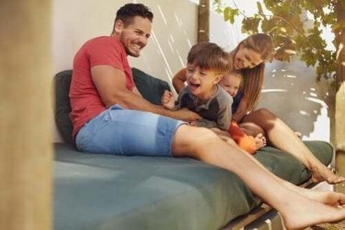 3 designs de pátios modernos para compartilhar em família