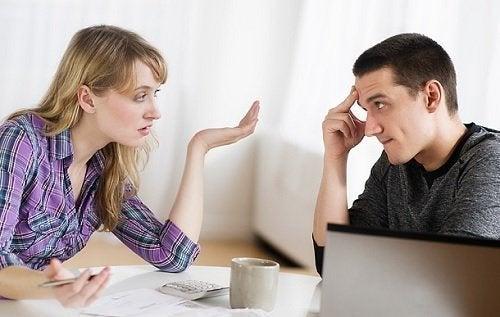 Convencer o namorado a morar juntos sem pressão