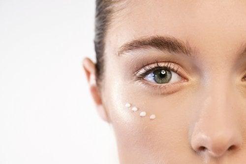 7 dicas para proteger o contorno dos olhos contra rugas