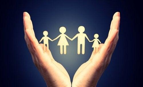 Familia que quer considerar uma segunda gravidez