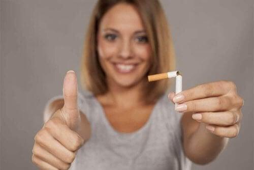 Como largar o cigarro com chiclete de nicotina
