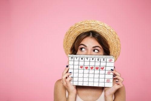 Você tem períodos menstruais irregulares? Pratique estes 7 hábitos