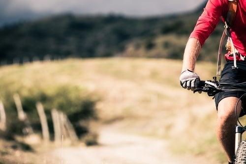Prática de mountain bike