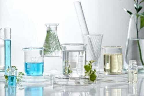 Preparações com óleos essenciais para combater a acne