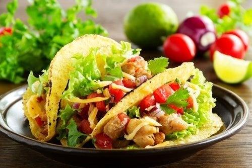 Tacos com vegetais e soja