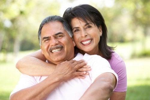 A aparência física e a felicidade de um casal