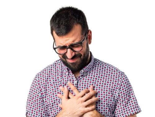 5 hábitos saudáveis para prevenir a dor no peito