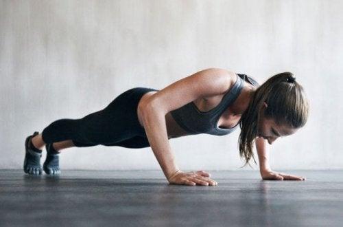 flexão para fortalecer o tríceps