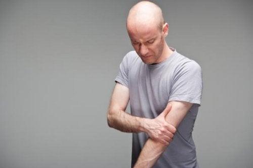 A tendinopatia causa dor no braço