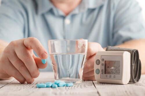 Anlodipino: precauções e efeitos secundários