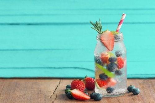 Infusões com frutas para hidratar