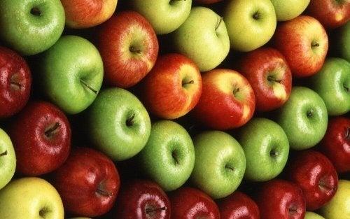As maçãs estão entre as frutas que aceleram o emagrecimento