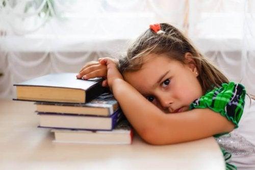 A apneia obstrutiva do sono causa cansaço nas crianças
