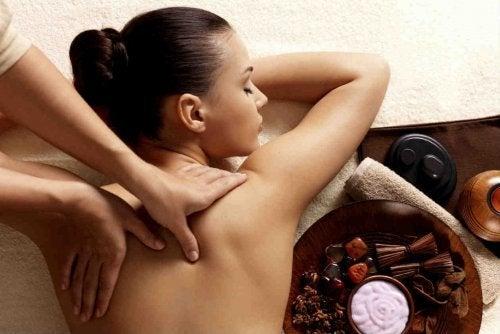 Massagens nas costas