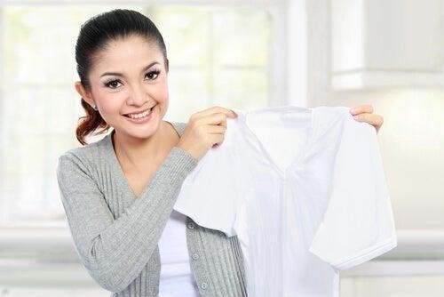 Limpavidros para deixar a roupa branca