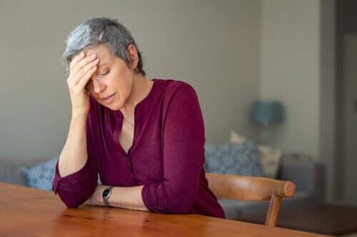 A menopausa precoce aumenta o risco de demência?