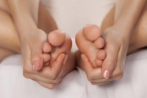 Esfrie os pés