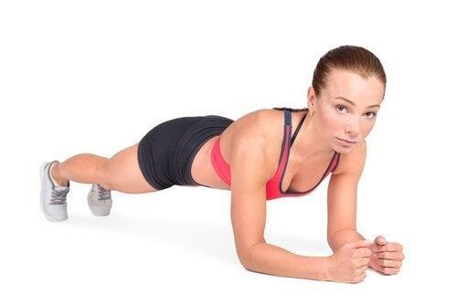 Prancha para fortalecer ombros