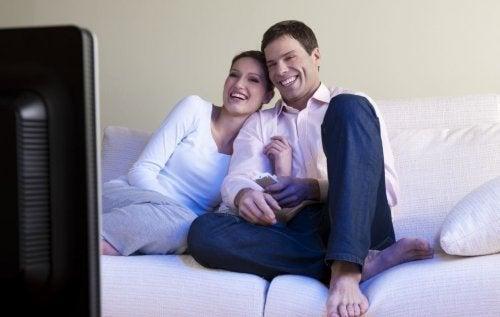 Escolhemos um parceiro para estar acompanhados e felizes