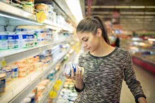 Alergia a aditivos alimentares: sintomas e tratamentos