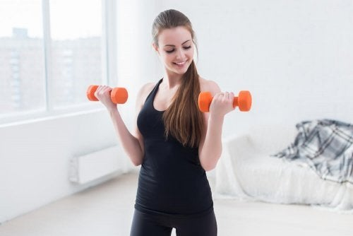 As rosca bíceps te ajudarão a tonificar