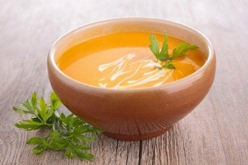 Creme de cenoura, delicioso e nutritivo