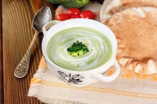 3 cremes de verduras para reforçar suas defesas