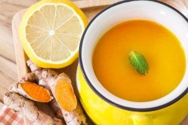 Sopa com açafrão para gastroenterite