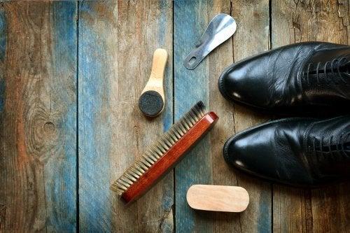 Como limpar sapatos de couro: 5 conselhos úteis