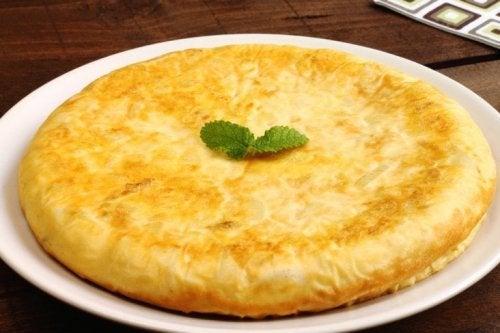 Omelete de ovos e batatas