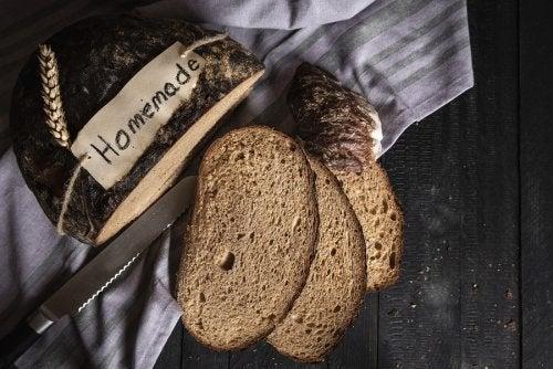 Como fazer um pão caseiro com centeio e espelta