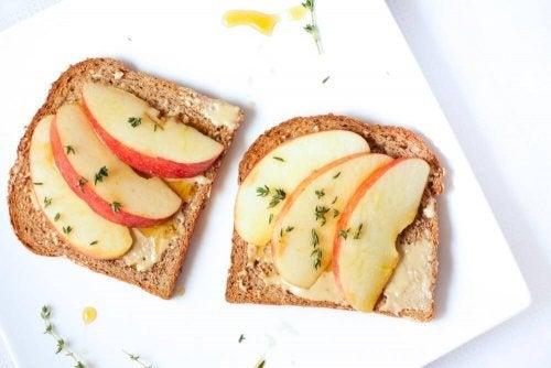 pão com maçã para desjejuns emagrecedores