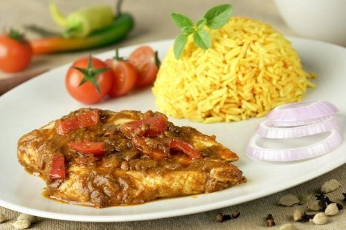 frango ao curry com arroz