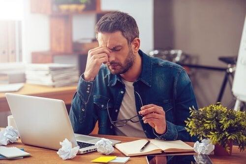 Retomar o trabalho pode provocar a síndrome pós-férias
