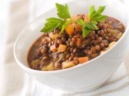 Como fazer lentilhas ao curry com verduras
